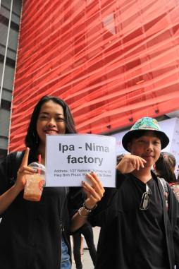 Students head to Ipa-Nima factory on Day 2.